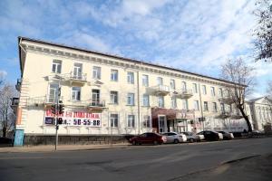 Apartment on Ordjonikidze 17