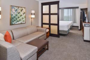 Queen Room with Sofa Bed - High Floor