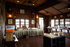 Country Lake View Hotel