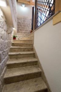 Villa Kudelik - Stone Story, Bed and breakfasts  Trogir - big - 69