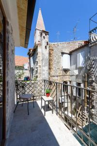 Villa Kudelik - Stone Story, Bed and breakfasts  Trogir - big - 70