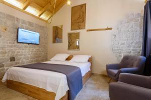 Villa Kudelik - Stone Story, Bed and breakfasts  Trogir - big - 78