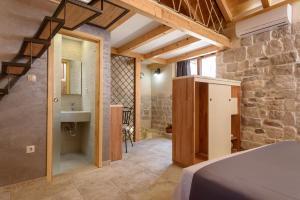 Villa Kudelik - Stone Story, Bed and breakfasts  Trogir - big - 84