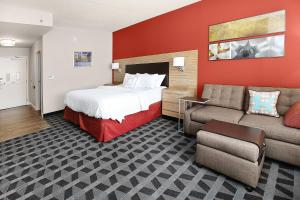 TownePlace Suites by Marriott Grove City Mercer-Outlets