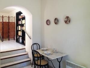 Apartment place de la Mairie, Apartments  Venaco - big - 8