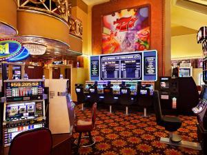 Par-A-Dice Hotel & Casino, Hotel  Peoria - big - 20
