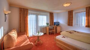 Hotel-Garni Weidacherhof, Hotels  Leutasch - big - 9