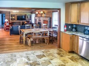 Cleone Bliss, Holiday homes  Fort Bragg - big - 11