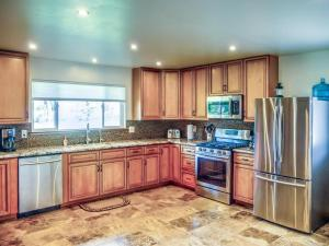Cleone Bliss, Holiday homes  Fort Bragg - big - 10