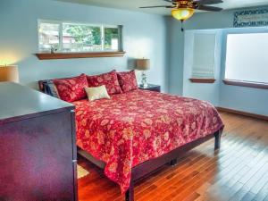 Cleone Bliss, Holiday homes  Fort Bragg - big - 8