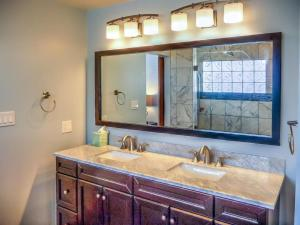 Cleone Bliss, Holiday homes  Fort Bragg - big - 21