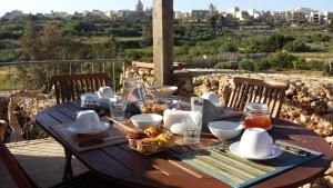 Gozo A Prescindere B&B, Bed and Breakfasts  Nadur - big - 57