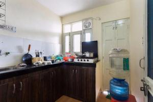 Red Cherry Service Apartment, Ferienwohnungen  Neu-Delhi - big - 9