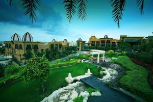The Corinthians Resort & Club, Rezorty  Pune - big - 13