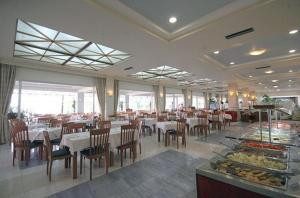 Zorbas Beach Hotel, Hotely  Tigaki - big - 70