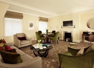 Minsters Deluxe Two Bedroom Suite