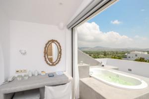 The Saint Vlassis, Hotels  Naxos Chora - big - 106