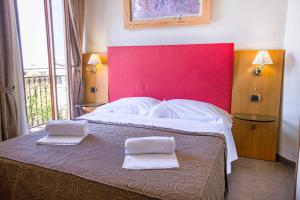 Villa Margherita, Bed and Breakfasts  Cefalù - big - 24