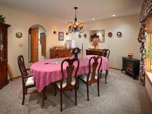 Tudor Rose B&B and Chalets, Гостевые дома  Salida - big - 29