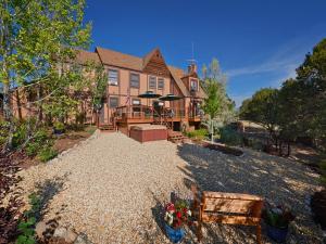 Tudor Rose B&B and Chalets, Гостевые дома  Salida - big - 28