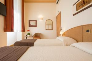Piazza Paradiso Accommodation, Affittacamere  Siena - big - 53