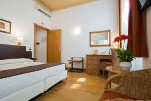 Piazza Paradiso Accommodation, Affittacamere  Siena - big - 71