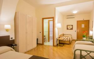 Piazza Paradiso Accommodation, Affittacamere  Siena - big - 81