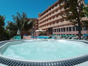 Hotel Victoria Playa, Szállodák  Almuñécar - big - 31