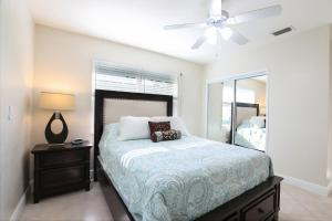 HOLLYWOOD BEACH HOUSE FOR 10 GUESTS