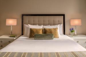 Premier Plus Double with 2 Double Beds