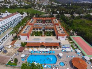 Tiana Beach Resort, Hotels  Turgutreis - big - 13