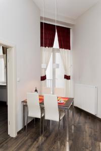 Light Rooms Apartment, Apartments  Kraków - big - 6
