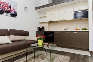 Light Rooms Apartment, Apartments  Kraków - big - 13