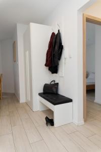 Light Rooms Apartment, Apartments  Kraków - big - 19