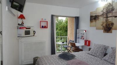 Chambre avec entrée libre et salle de bain privée - Privatzimmer in ...