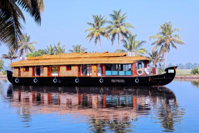 Ostrich Dream Cruise 3Bedroom A/c Houseboat