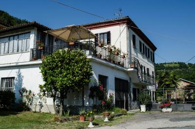 Bed & Breakfast La Terrazza - Bed & Breakfasts in Calamandrana ...