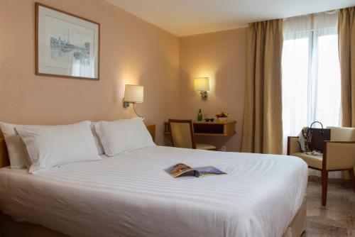 Hotel Bac Saint-Germain photo 39