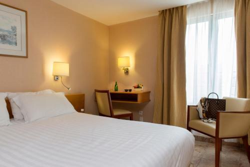 Hotel Bac Saint-Germain photo 40