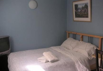 Kaisar Guest House - Toronto, ON M5T 1S6