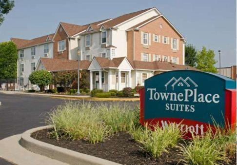 TownePlace Suites Indianapolis Park 100 photo 1