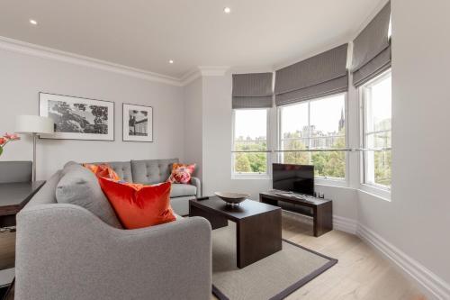 Destiny Scotland - Chisholm Hunter Suites photo 12