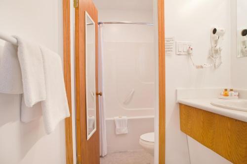 Somass Motel - Port Alberni, BC V9Y 6Z3