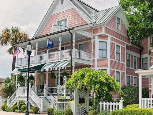 Beaufort Inn Photo