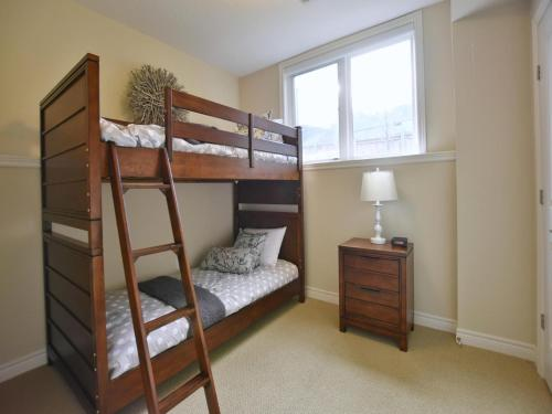 4 Bedroom Waterfront Condo - Collingwood, ON N0H 1J0