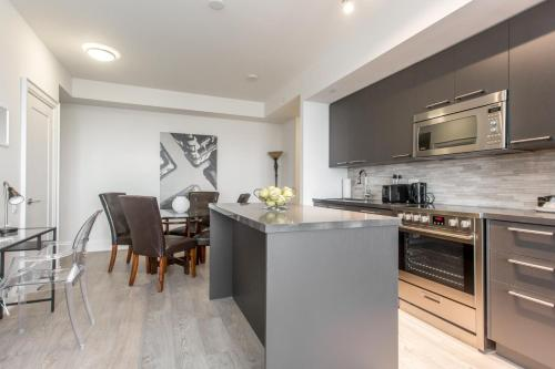 30roe - Furnished Apartments - Toronto, ON M4P 1R2