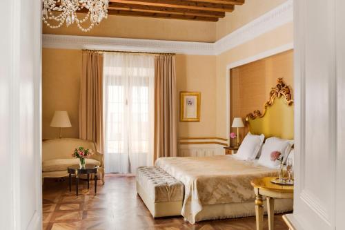 Deluxe Premium Zimmer mit Zustellbett Hotel Casa 1800 Sevilla 4