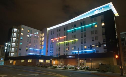 Aloft Newport On The Levee - Newport, KY 41071