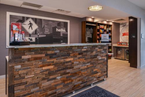 Hampton Inn & Suites Denver-Speer Boulevard in Denver