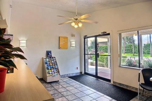 Motel 6 Palm Bay - Palm Bay, FL 32907